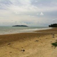 Photo taken at Tanjung Aru 1st Beach by adeep on 7/10/2012