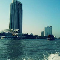 Photo taken at ท่าเรือสาทร (ตากสิน) Sathorn (Taksin) Pier CEN by D Sign Z. on 2/24/2012