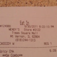 Photo taken at Wendy's by Maria U. on 10/1/2011