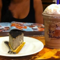 Photo taken at The Coffee Bean & Tea Leaf by Harish P. on 7/18/2012