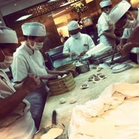 Photo taken at Din Tai Fung 鼎泰豐 by Galya P. on 2/24/2012