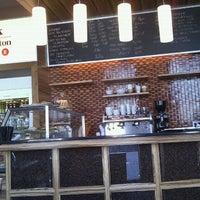Photo taken at Link@Sheraton Café by Radoslav A. on 9/26/2011