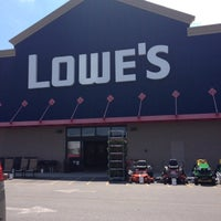 Photo taken at Lowe's Home Improvement by Sterling on 8/12/2012