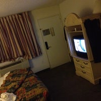 Photo taken at Travelodge by Leo T. on 1/18/2012