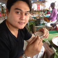 Photo taken at Talard Kong Khong by Sompob Krab L. on 1/28/2012