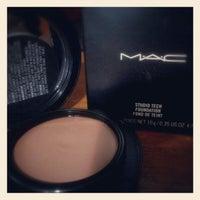 Photo taken at MacStation by Lorena B. on 8/29/2012