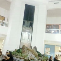 Photo taken at Diamond Mall by Dilcia Paola D. on 1/16/2012