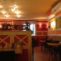 Photo taken at Pizza Ollis by Ogrebina D. on 9/3/2012