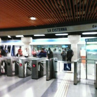 Das Foto wurde bei Metro La Cisterna von Luis M. am 5/12/2012 aufgenommen