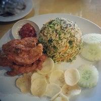 Photo taken at Restoran Tanjung Bunga by Stephanie L. on 8/4/2012