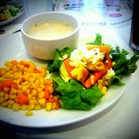 Photo taken at Kenny Rogers Roasters by Mane D. on 9/24/2011