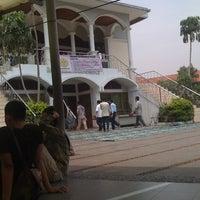 Photo taken at Masjid Nurul Irfan UNJ by Banyuastyo P. on 2/11/2011