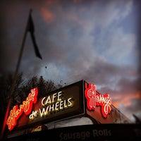 Photo taken at Harry's Café De Wheels by Nelson L. on 6/19/2012