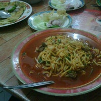 Photo taken at Mie Aceh Sigli Jaya by huget r. on 9/28/2011