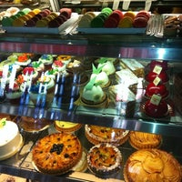 Photo taken at Georgia's Bake Shop by Mj K. on 8/13/2011