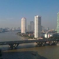 Photo taken at Shangri-La Hotel, Bangkok by Ulf W. on 12/31/2011