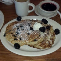 Photo taken at Cracker Barrel Old Country Store by Timi G. on 8/7/2012