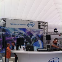 Photo taken at Club #Ultrabook Hosted by Intel @sfoutsidelands by Brandon L. on 8/14/2011