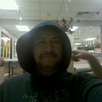 Photo taken at Taco Bell by Louie V. on 2/12/2011