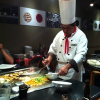 Photo taken at Sushi Itto by Paulina A. on 9/11/2011