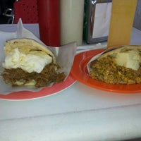 Photo taken at El Buen Sabor De La Arepa .C.A by Ransés G. on 4/23/2012