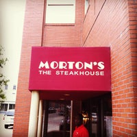 Photo taken at Morton's The Steakhouse by Kevin B. on 8/15/2012
