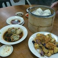 Photo taken at Swee Choon Tim Sum Restaurant by Gerald on 12/9/2011
