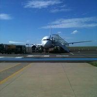 Photo taken at Aeroporto de Bauru - Arealva / Moussa Nakhl Tobias (JTC) by Rafael T. on 6/4/2012