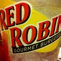 Photo taken at Red Robin Gourmet Burgers by Jason A. on 9/18/2011