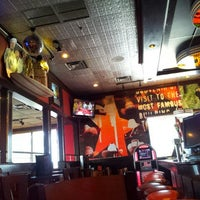 Photo taken at TGI Fridays by rs65 on 12/4/2011
