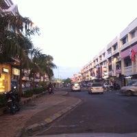 Photo taken at Bandar Tawau by ♭Ξ ℳ♭Ξ Ƙ ™. on 8/29/2011