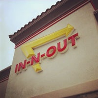 Photo taken at In-N-Out Burger by Victor G. on 8/31/2012