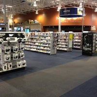 Photo taken at Best Buy by Linda K. on 8/1/2012