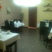 Photo taken at Restaurante Pérez by Ruben C. on 5/4/2012