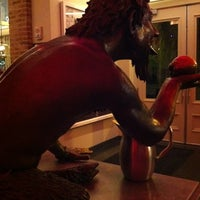 Photo taken at 21c Museum Hotels - Louisville by Gaby on 3/28/2012