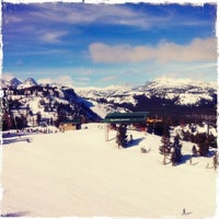 Photo taken at Mammoth Mountain Ski Resort by iPhone J. on 1/17/2011