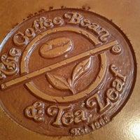 Photo taken at The Coffee Bean & Tea Leaf by Patranila on 9/22/2011
