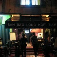 Photo taken at San Bao Long Kopi Tiam by Paman B. on 10/18/2011