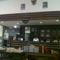 Photo taken at Rumah Makan Tongas Asri by Lunadi .. on 8/16/2012