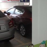 Photo taken at Honda Sakhon Nakorn by Manassanan L. on 5/28/2012