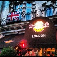 Photo taken at Hard Rock Cafe London by Luis F. on 8/17/2012