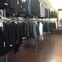 Photo taken at Hollywood Suit Outlet by Joel O. on 11/12/2011