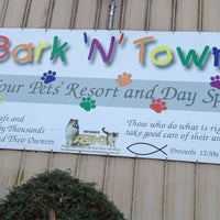 Photo taken at Bark 'N' Town Pet Resort and Day Spa by Brian L. on 11/25/2011