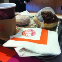 Photo taken at Dunkin' Donuts by Juan O. on 4/24/2012