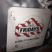 Photo taken at TGI Fridays by S R. on 6/13/2012
