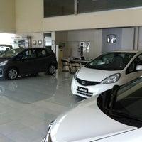 Photo taken at Honda Pacific Motor (Dealer Mobil Honda) by Arifin L. on 5/13/2012