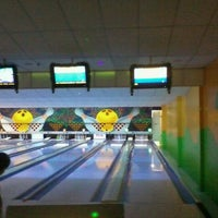 Photo taken at Via Bowling by Cleber C. on 11/25/2011
