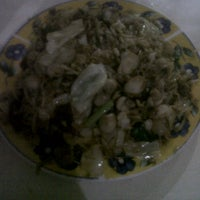 Photo taken at Nasi Goreng Bu Ita by Aloysius M. on 3/3/2012