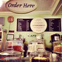 Photo taken at Magnolia Bakery by Marie L. on 2/21/2012