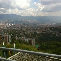 Photo taken at Une Sede Iguana by Alejo F. on 2/26/2012